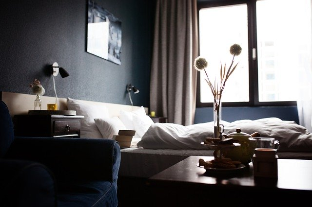hotel room 640